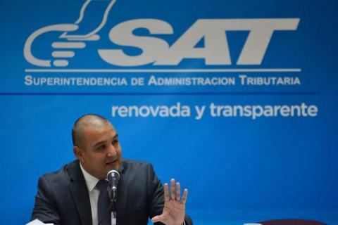 Solórzano Foppa deja de ser Superintendente de SAT...en Twitter