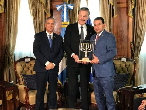 Jimmy recibe reconocimiento por trasladar la embajada a Jerusalén