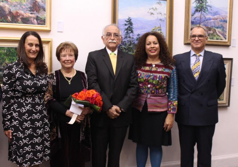 "Galeria artistica ""El Color de Guatemala"" a un formato bidimensional"