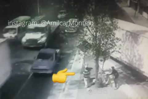 #VIDEO Dos personas se salvan de morir tras accidente en el Periférico