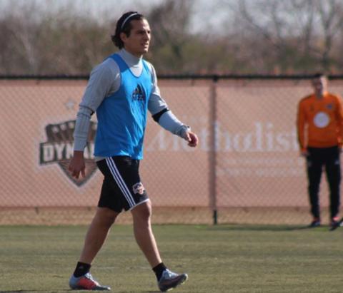 El guatemalteco Pablo Aguilar ya se entrena con el Houston Dynamo