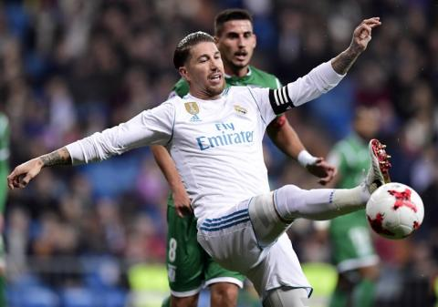 Twitter se burla del nuevo look de Sergio Ramos