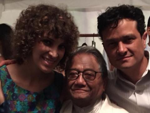 Gaby Moreno deslumbra con su voz y su vestido en homenaje a Manzanero
