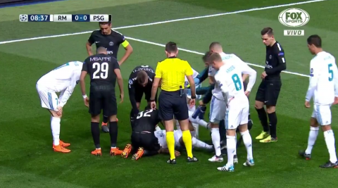 El fuerte golpe que recibió Marcelo que asustó al Real Madrid y al PSG