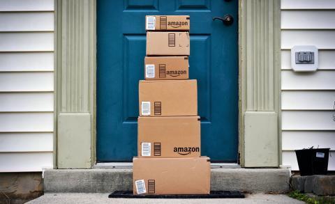 Personas reciben paquetes misteriosos de Amazon que no pidieron