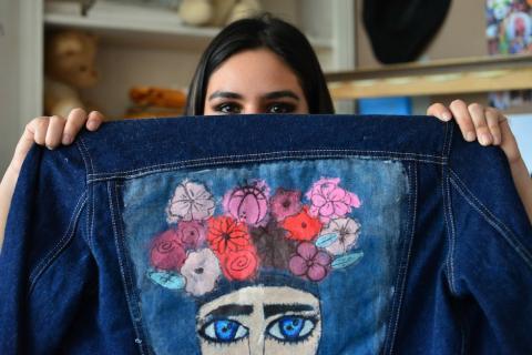 """""""Denim by Nicole"""" las chaquetas transformadas por una guatemalteca"""