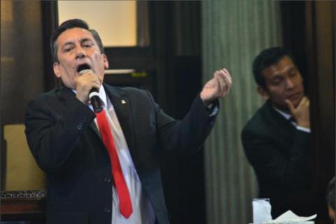 Tras perder inmunidad, diputado Villate arremete contra el TSE