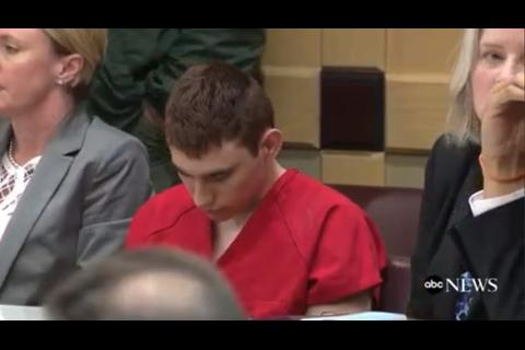 El autor confeso de la masacre en Florida reaparece en corte de EE.UU.