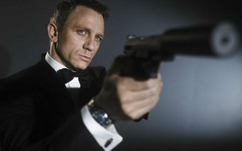 James Bond luce desmejorado en los premios Bafta