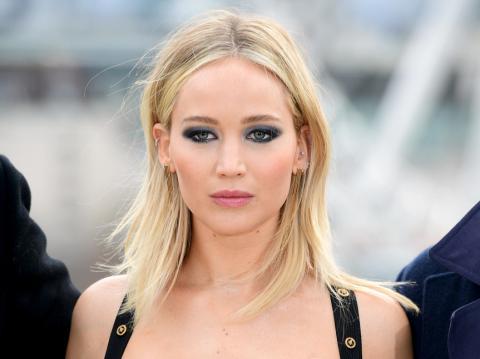 Jennifer Lawrence se defiende luego que su vestido fuera criticado