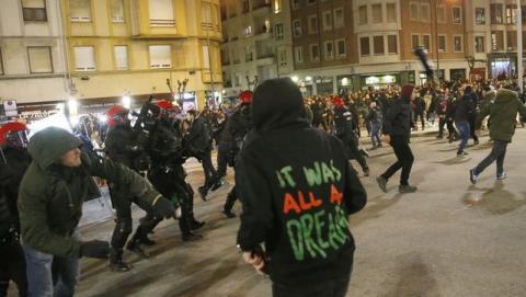 Ultras del Spartak de Moscú siembran terror en Bilbao