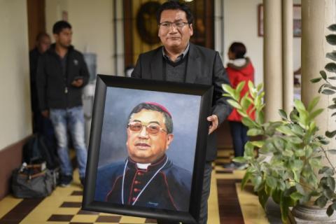 El adiós en redes sociales al arzobispo Monseñor Óscar Julio Vian