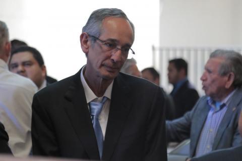 La parodia de Álvaro Colom y Otto Pérez al estar juntos en Mariscal