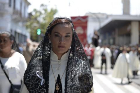 Otto Junior reaparece en una procesión junto a Stella Alonzo
