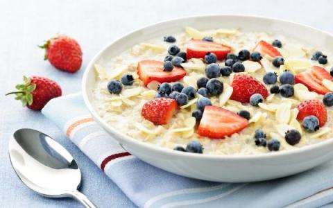 Los desayunos que no necesitan un sartén y se hacen en 15 minutos