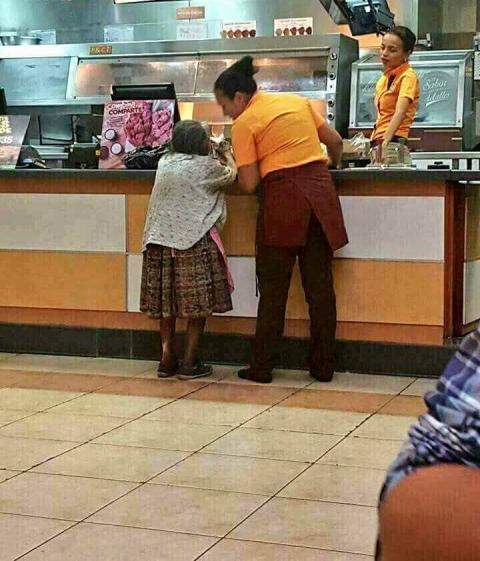 La bondadosa acción de dos empleadas de un restaurante