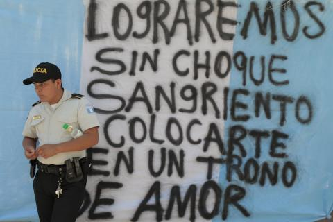 Funcionarios, ¡dejen de apoyar al #PactoDeCorruptos!