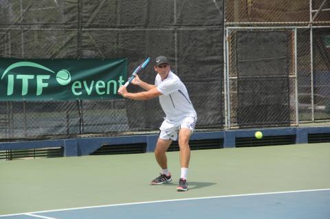 Tenistas participan en el Ranking Nacional de Tenis