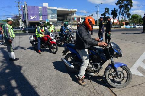 """Tráfico complicado por operativos contra """"motoladrones"""""""