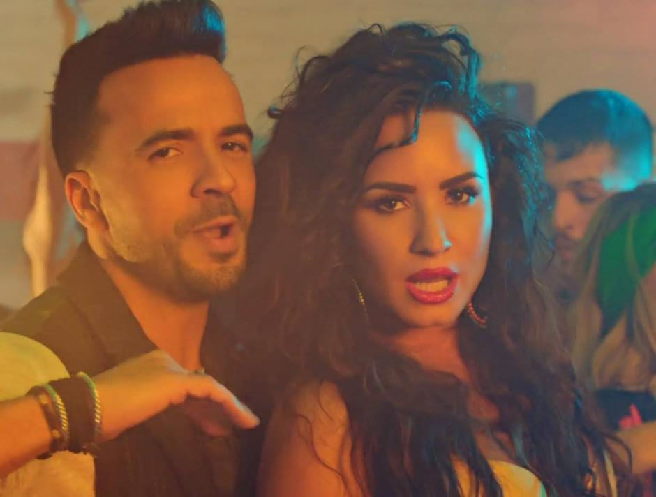 """Por primera vez Lovato y Fonsi cantan """"Échame la culpa"""" en vivo"""