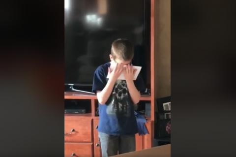 Soldado sorprende a su hijo y hace llorar a millones en internet