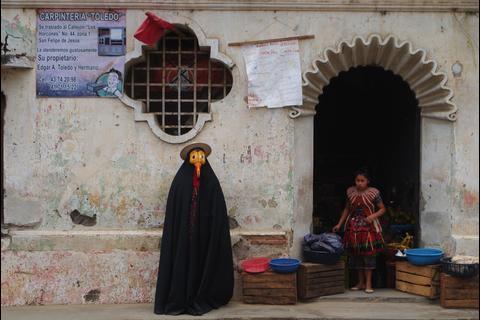 """¿Quién es el """"hombre pájaro"""" que deambula por Guatemala?"""