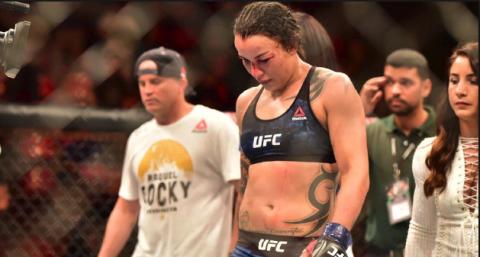Entrenador ignora la súplica de luchadora de UFC que pierde por nocaut