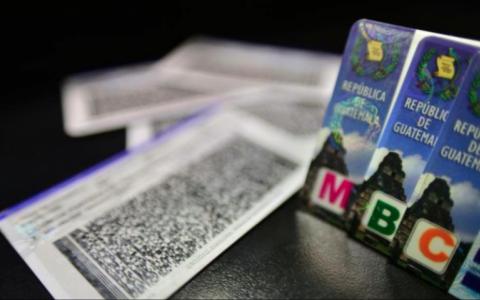 Peligra ágil trámite de licencias de manejo, como con los pasaportes