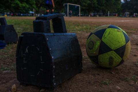 """La historia de """"Los Chacaritas"""", de lustradores a pequeños futbolistas"""