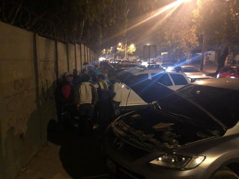 Roban baterías a varios carros en el bulevar La Pedrera zona 6