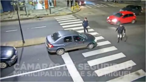 Conductor trata de evitar operativo y arrolla a policía en Argentina