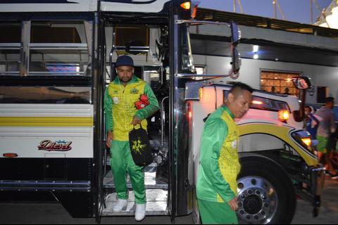 Guastatoya viajó en bus extraurbano al estadio Mario Camposeco