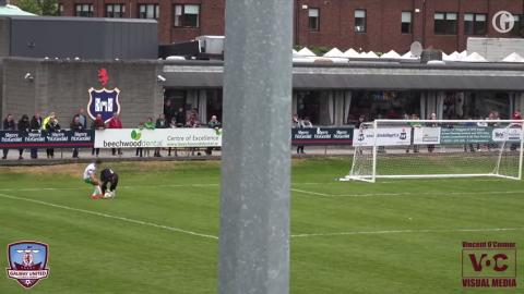 Portero quiso pasarse de listo y provocó el gol más insólito
