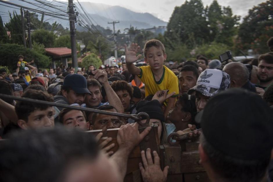 Tensión en el único entrenamiento a puerta abierta de Brasil