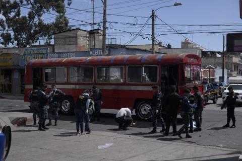 El empujón que evitó una tragedia en el bus de la Quinta Samayoa