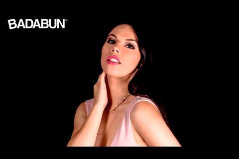 Chica Badabun Comparte Sensual Foto Y Le Llueven Los Halagos Soy502