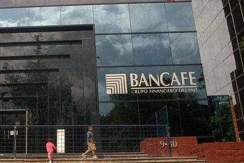 Capturan a dos exdirectivos por quiebra de Bancafé