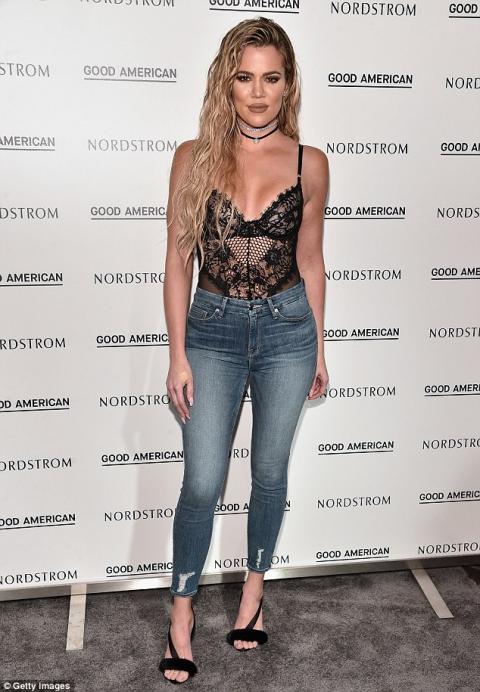 Khloé Kardashian causa sensación por su figura en Los Ángeles