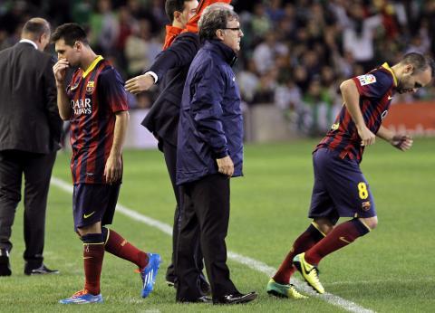 Nueva lesión de Messi preocupa a barcelonistas y argentinos