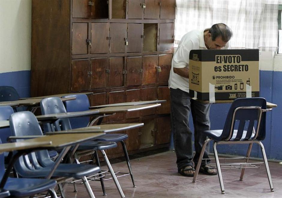 Recuento oficial de votos en Costa Rica