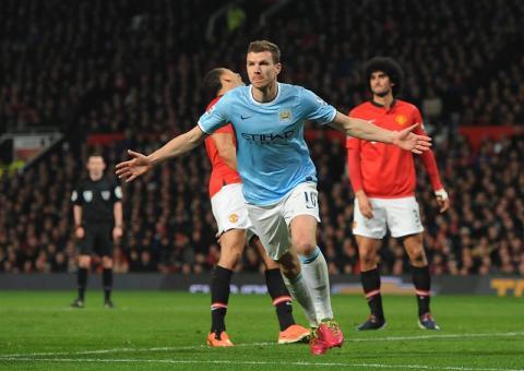 Manchester City golea al Manchester United y se lleva el derbi