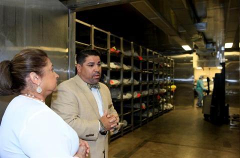 Primera dama visita morgue para restos de inmigrantes en Arizona