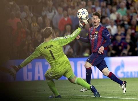 Simplemente Messi, hizo doblete en el triunfo de Barcelona ante Bayern