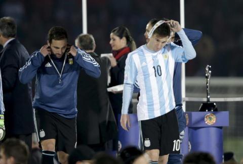 Messi rechazó trofeo de mejor jugador de la Copa América