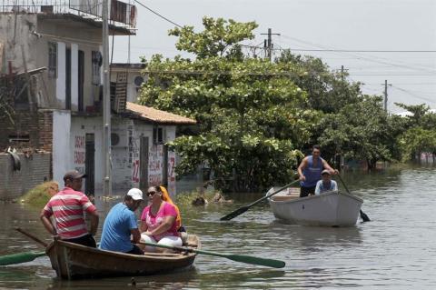 Más de 120 mil evacuados por inundaciones en 4 países Sudamericanos