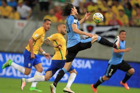 Uruguay y Brasil empatan y la hamburguesa apostada se queda sin dueño