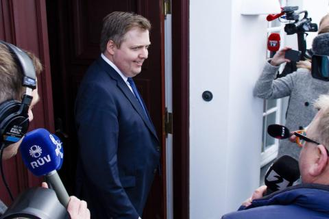 Renuncia primer ministro islandés, vinculado a los papeles de Panamá