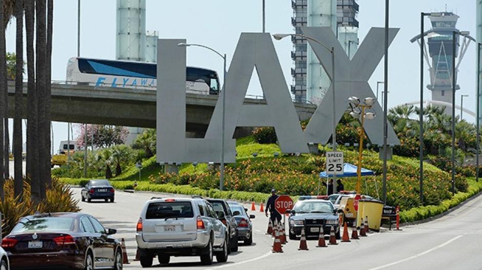 Tiroteo en aeropuerto de Los Angeles deja una persona muerta