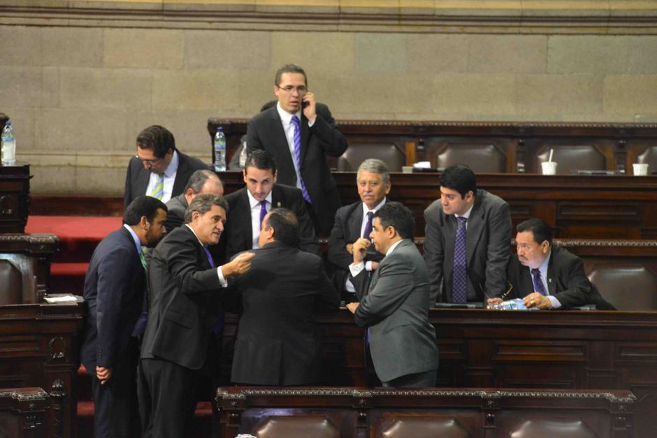 Falla segundo intento de oposición de tomar control del Congreso