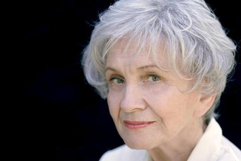 """Nobel para los cuentos de Alice Munro, """"la Chéjov de Canadá"""""""